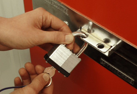 Securing a storage unit